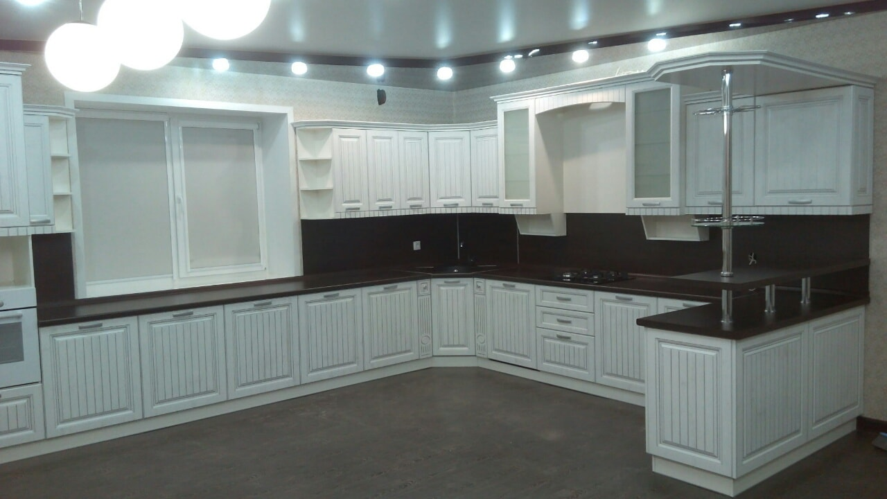 Кухни прованс белая с баром