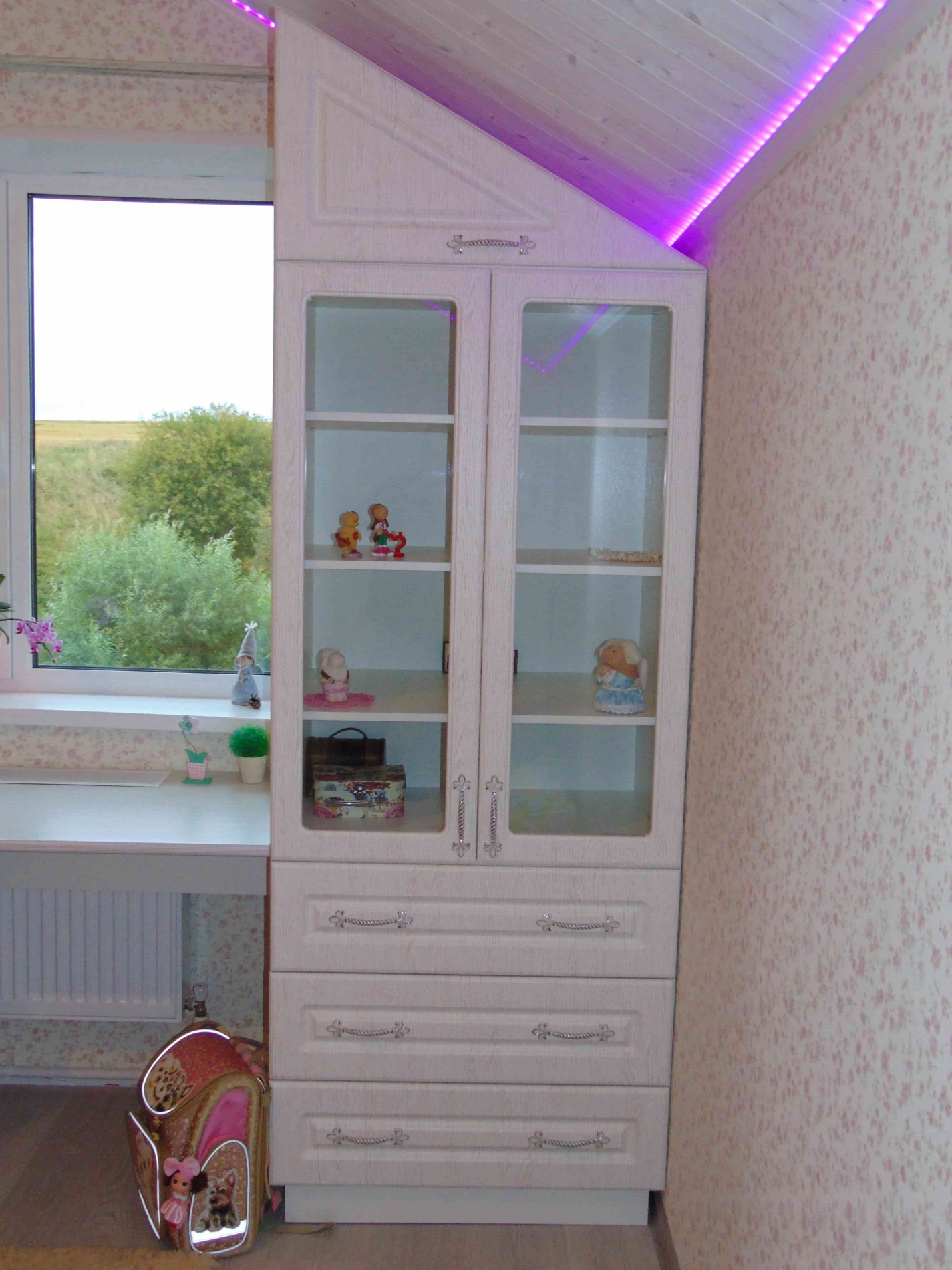 Мебель для детской шкаф-комод