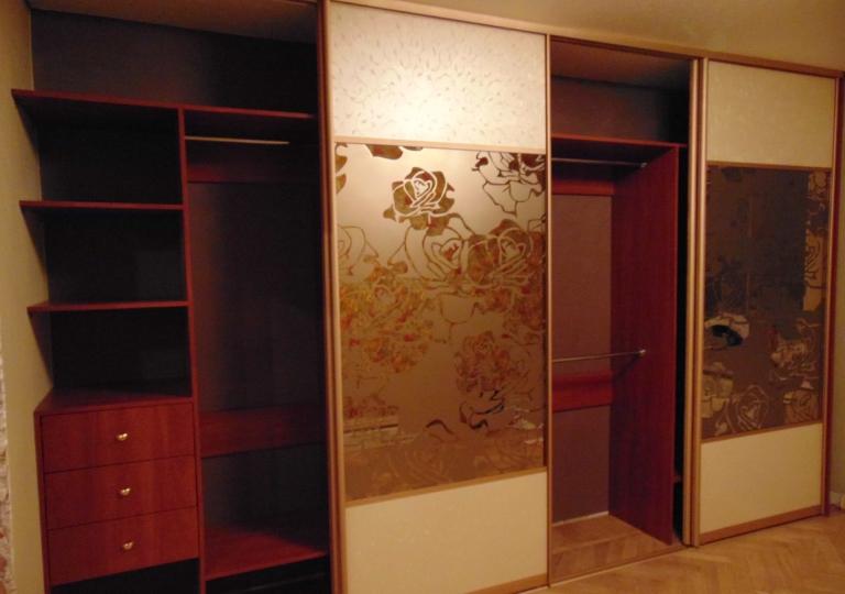 Шкаф-купе в спальню зеркало бронза