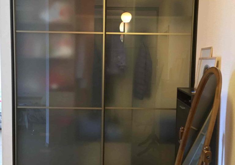 Шкаф-куп в прихожую с матовым стеклом