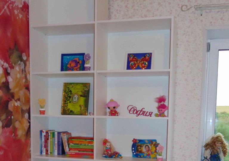 Мебель для детской открытые полки