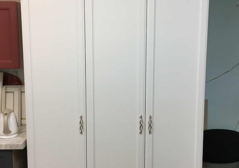 Шкаф в прихожую или спальню